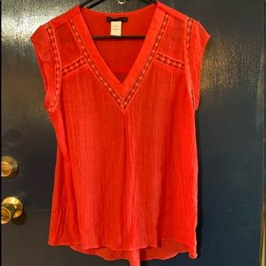 Sleeveless ladies top in coral